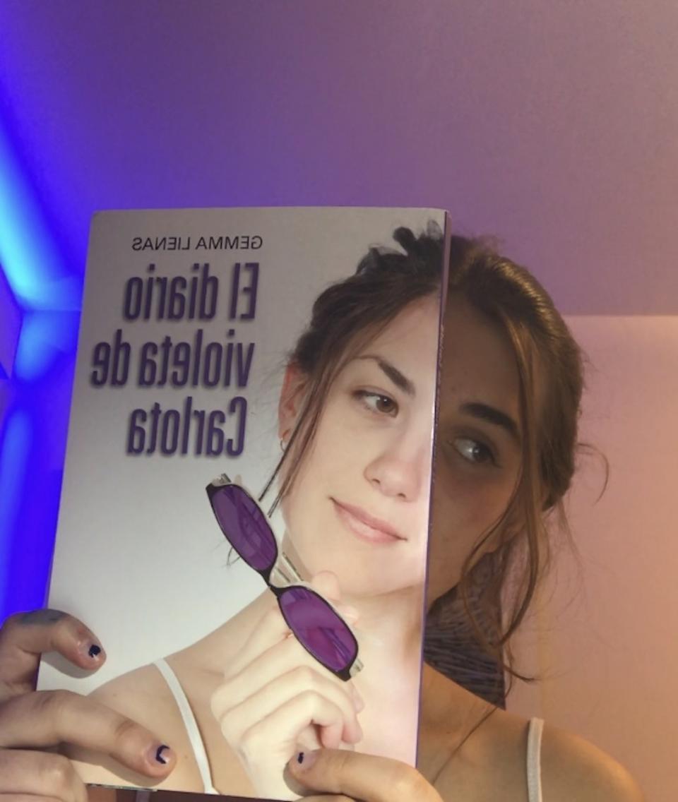 Gaur, apirilaren 23a, Liburuaren Eguna dela baliatuz, Armentia Ikastolako Bigarren Hezkuntzan 'Book Face' lehiaketa antolatu dute estreinakoz.